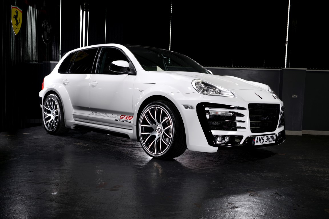 DSC_9819-Medium Porsche Cayenne Xclusive